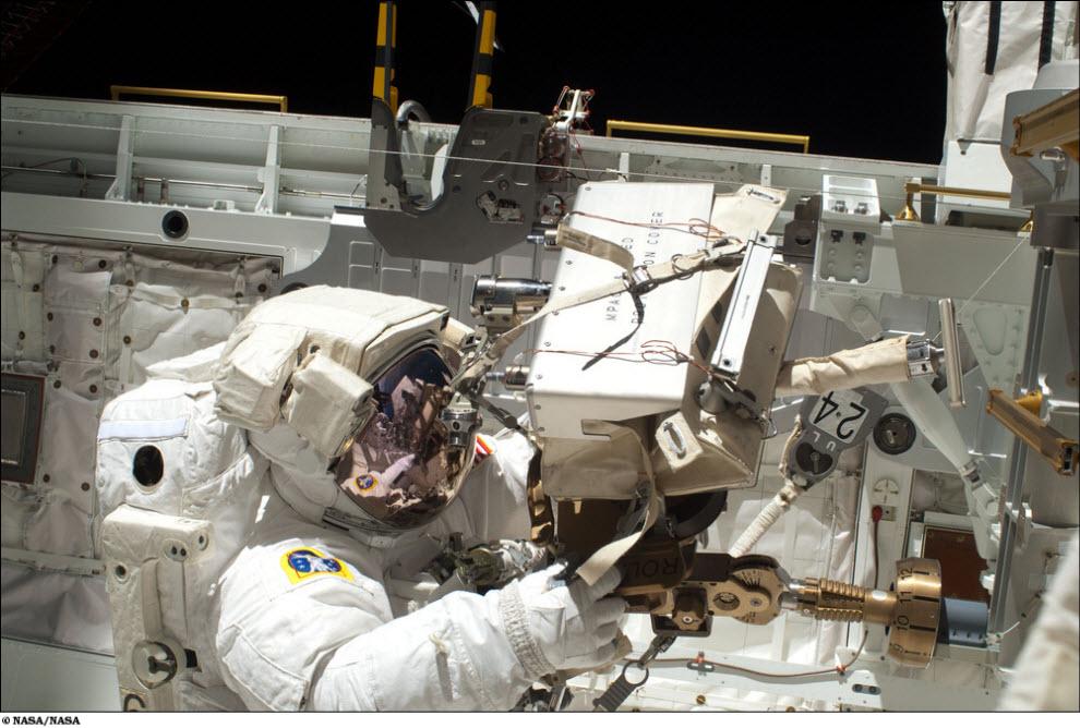 924 <br />Миссия STS 131 (Часть 1)