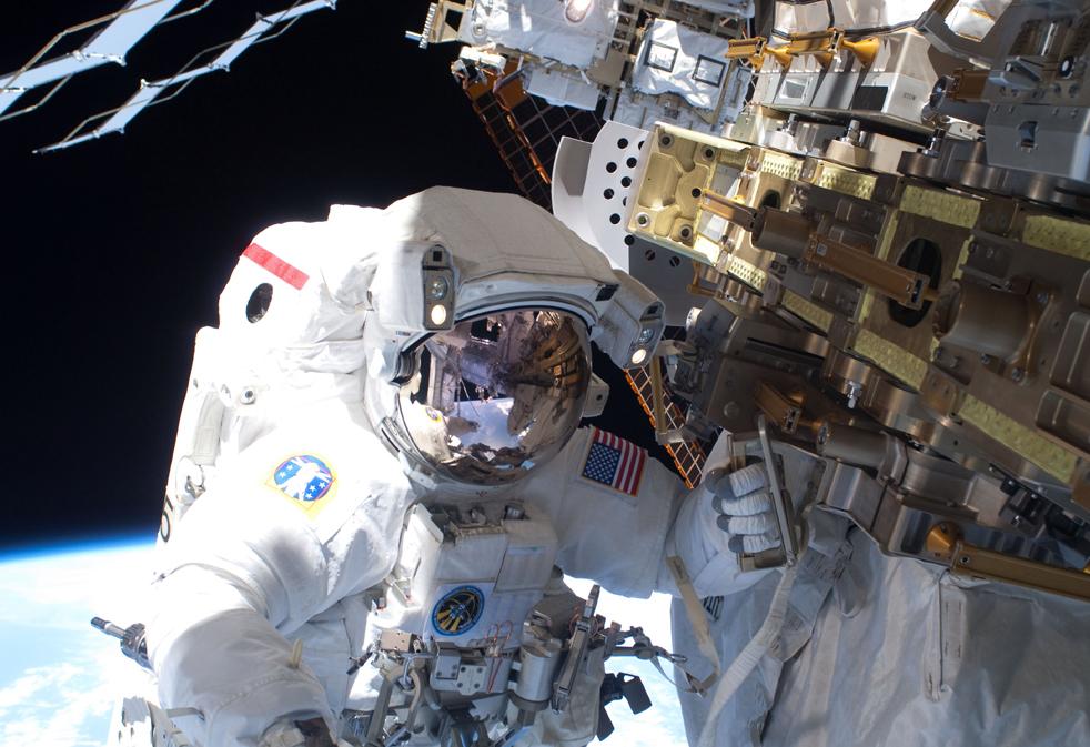 shuttleA 15 дневная миссия шаттла Discovery