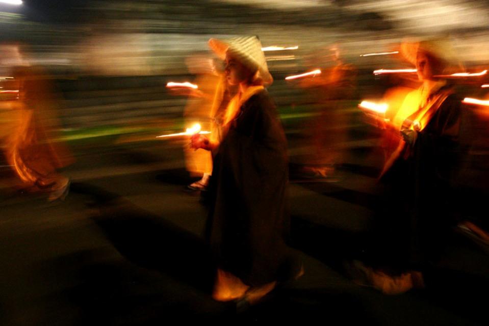 Весак - главный буддийский праздник