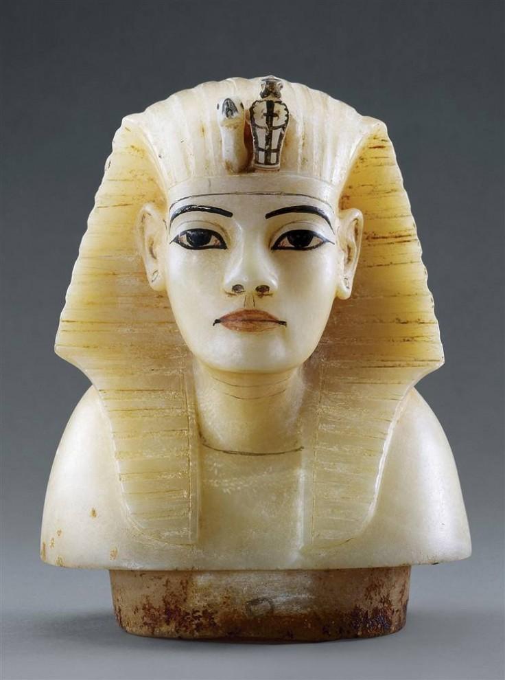 318 736x990 Фараон Тутанхамон в Нью Йорке