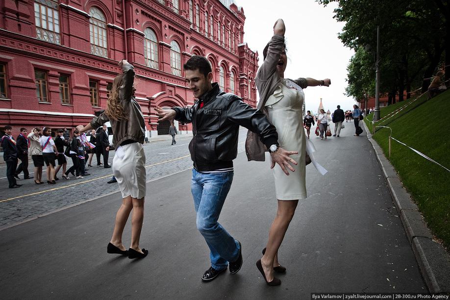 Русская девушка и кавказский парень  к чему это может