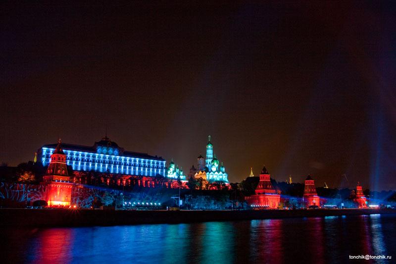 Праздничная иллюминация Кремля в Москве