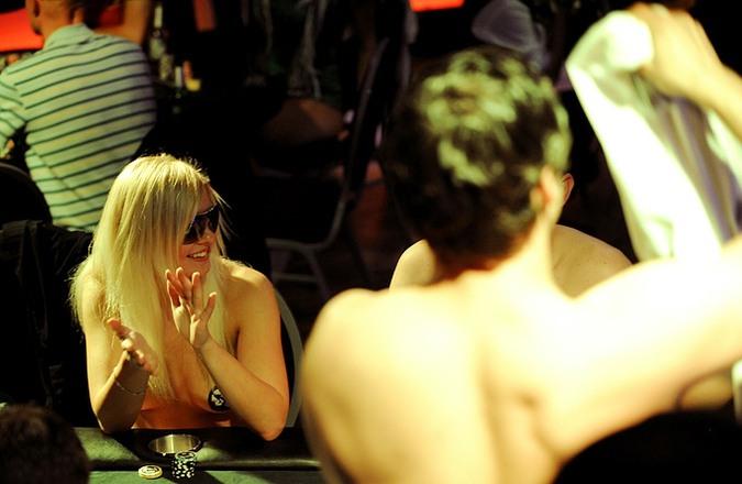 Чемпионат по покеру на раздевание