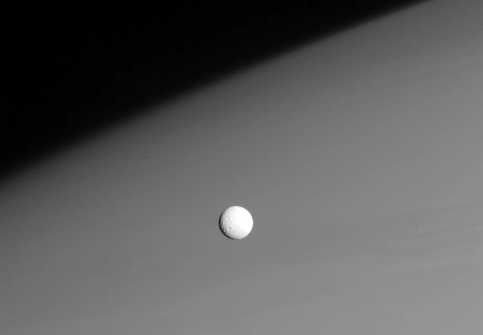 s02 0012 Снимки Сатурна и его спутников