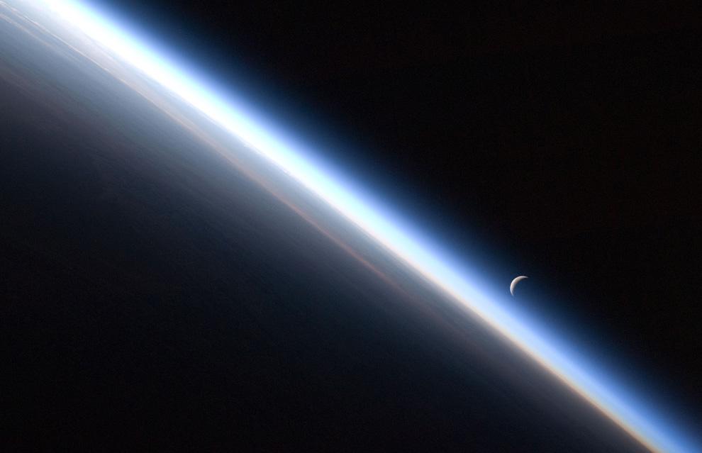 s04 4e01 Вокруг Солнечной системы
