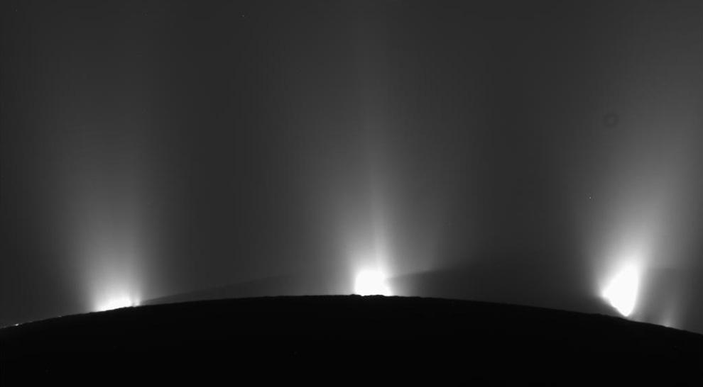 s08 3921 Снимки Сатурна и его спутников