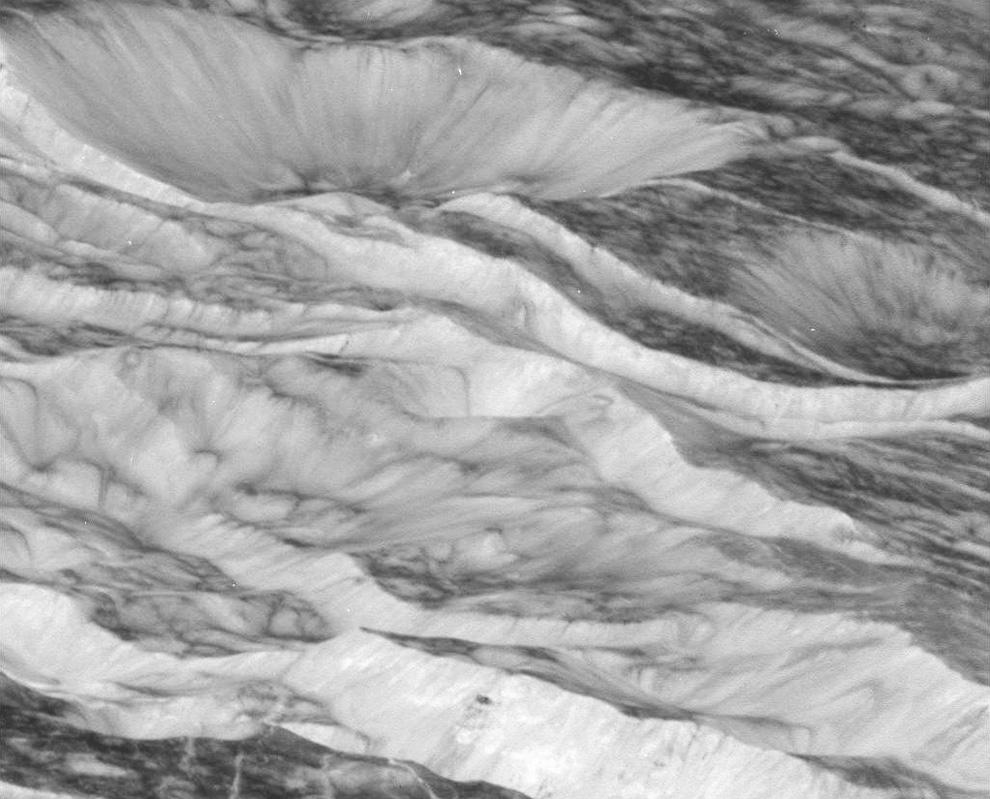 s25 3111 Снимки Сатурна и его спутников