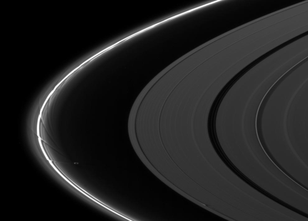 s29 pia1 Снимки Сатурна и его спутников