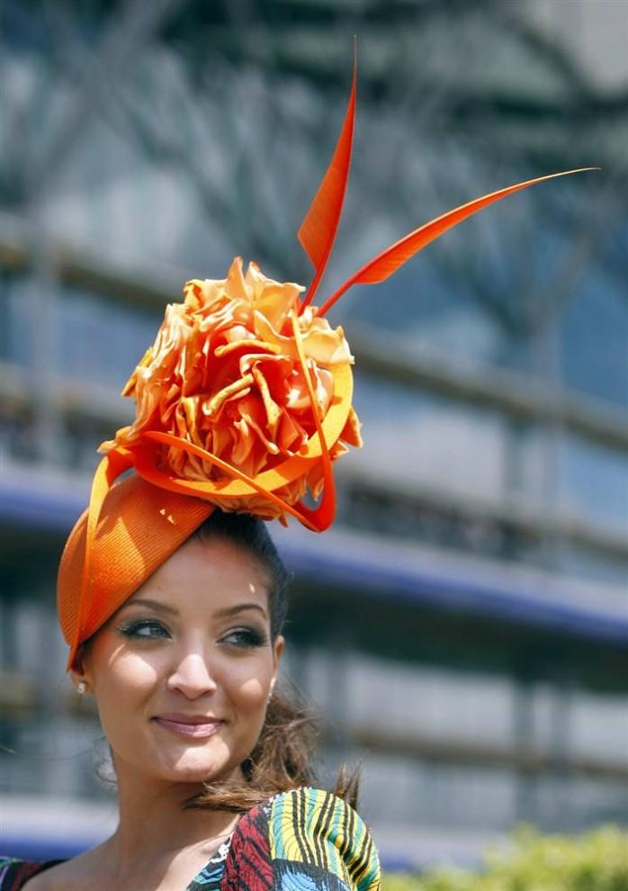 1046 698x990 Парад шляп на скачках Royal Ascot (Часть 2)