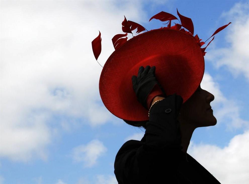 1535 990x733 Парад шляп на скачках Royal Ascot (Часть 2)