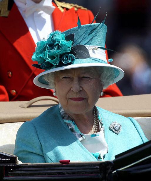 16.06 Парад шляп на скачках Royal Ascot (Часть 1)
