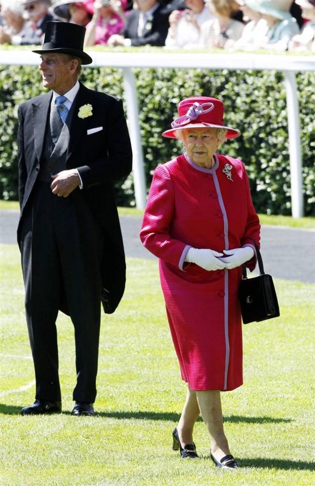 2125 643x990 Парад шляп на скачках Royal Ascot (Часть 2)