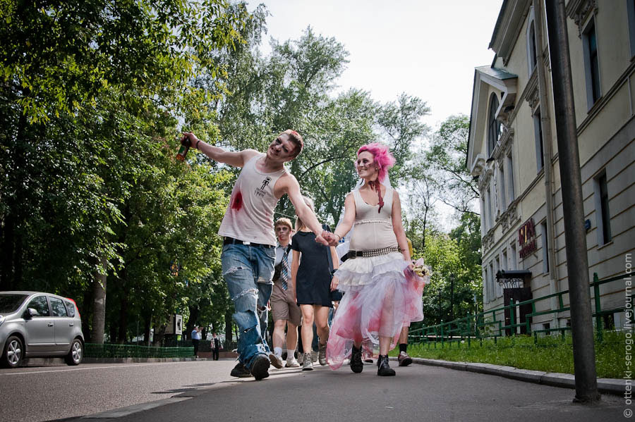 Торжественное зомбосочетание в Грибоедовском ЗАГСе