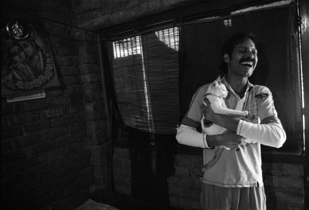 329 990x674 Мужчины проститутки в Индии