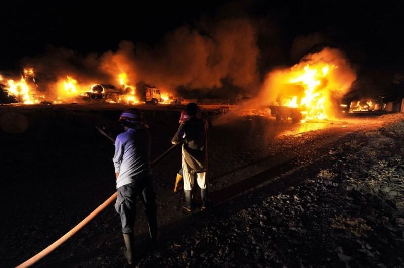 В Пакистане боевики напали на транспортный терминал НАТО