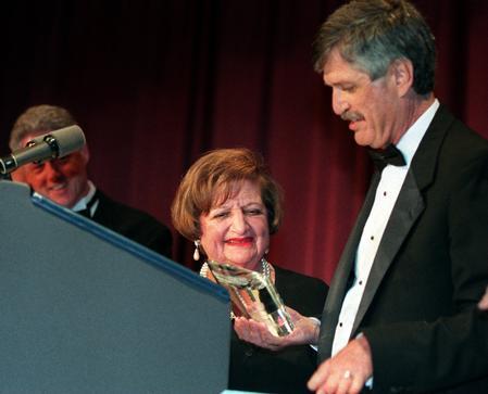 Helen Thomas retires