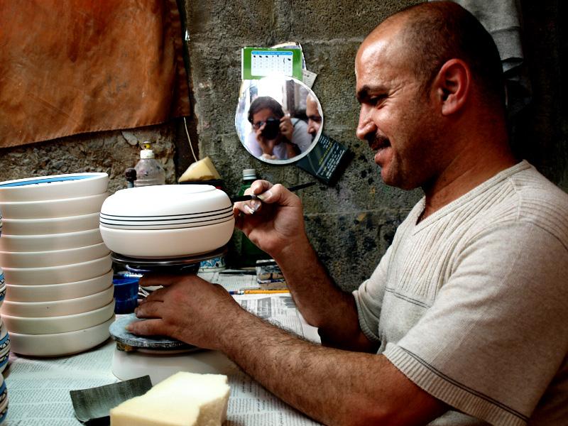 Знаменитое хевронское стекло и керамика: как это делается?