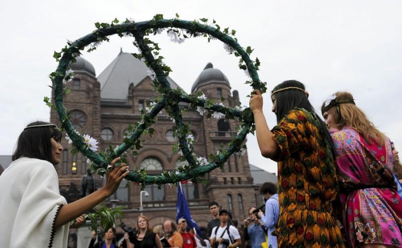 6a00d8344 800x494 Протесты в Торонто