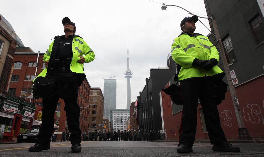 6a00d8394 Протесты в Торонто