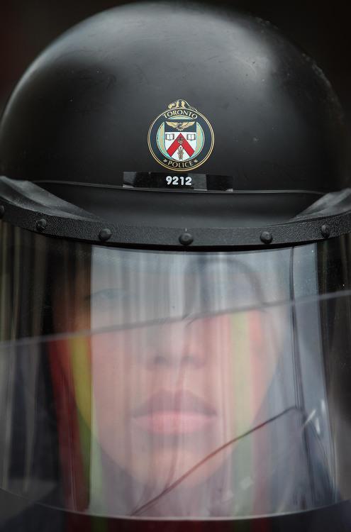 6a00d83A4 Протесты в Торонто