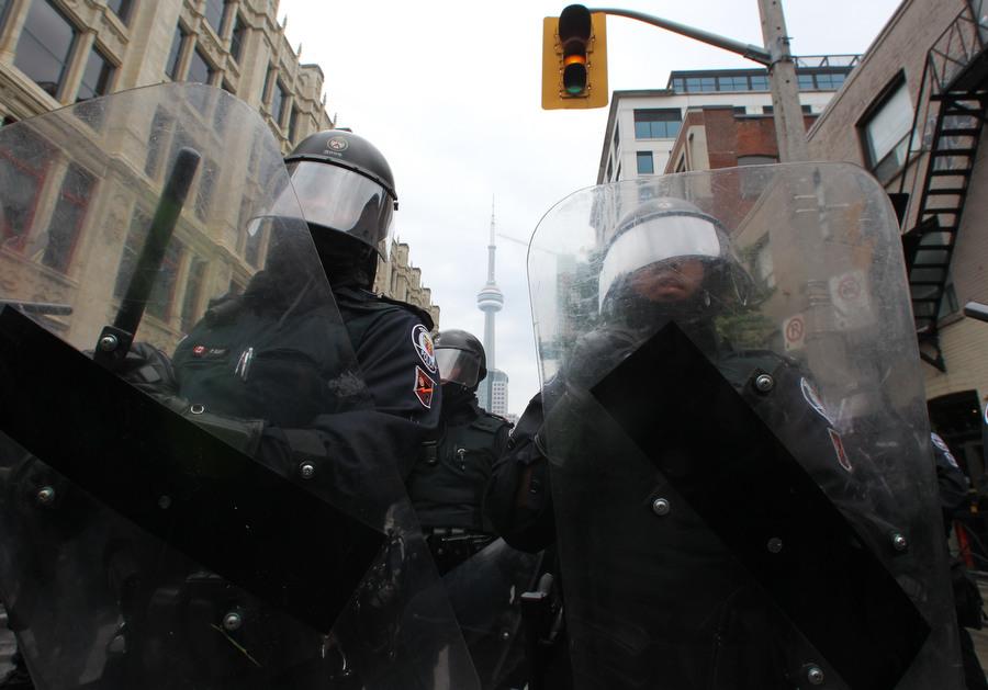 6a00d83C4 Протесты в Торонто
