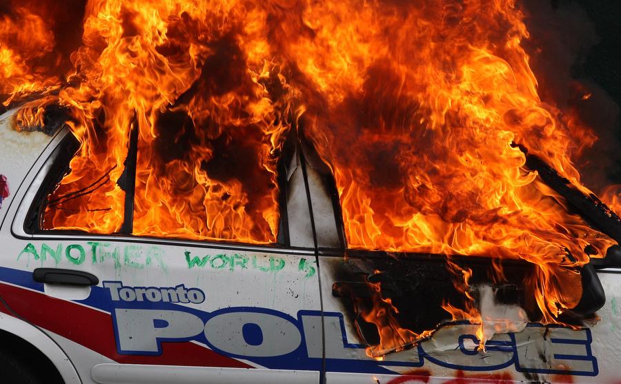 6a00d83X Протесты в Торонто
