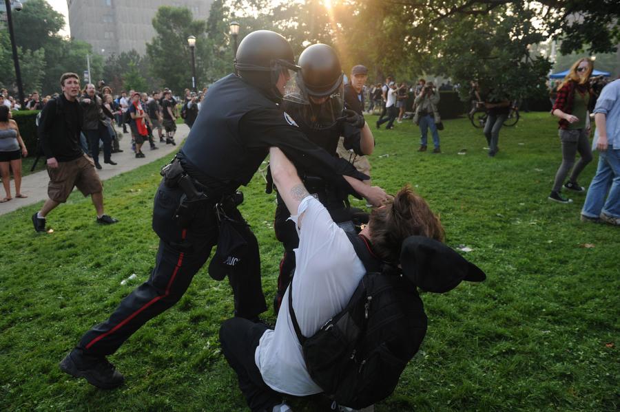 6a00d83Y Протесты в Торонто