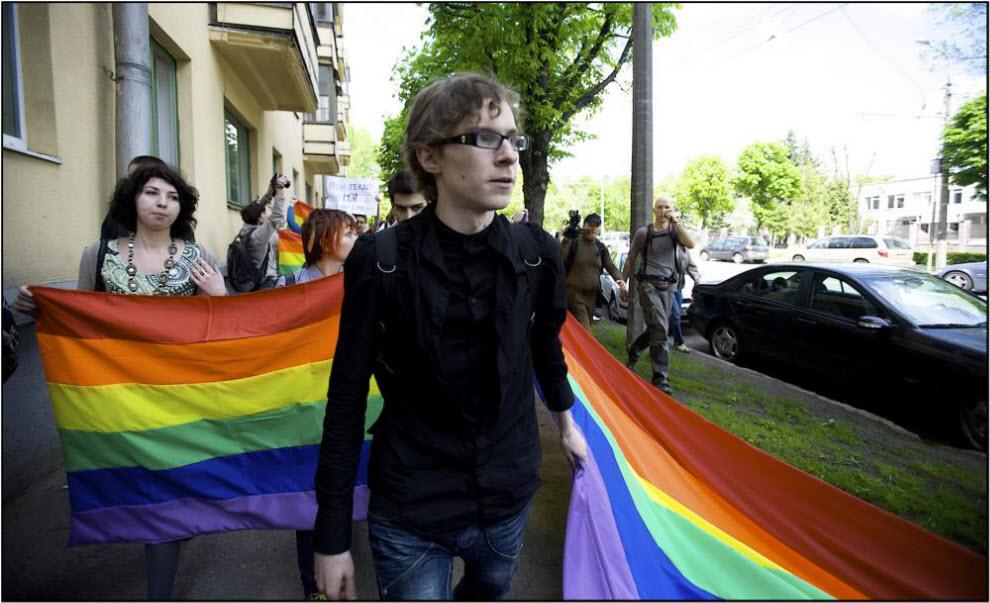 Участники парада кричат, что в Минске впервые в истории проходит гей