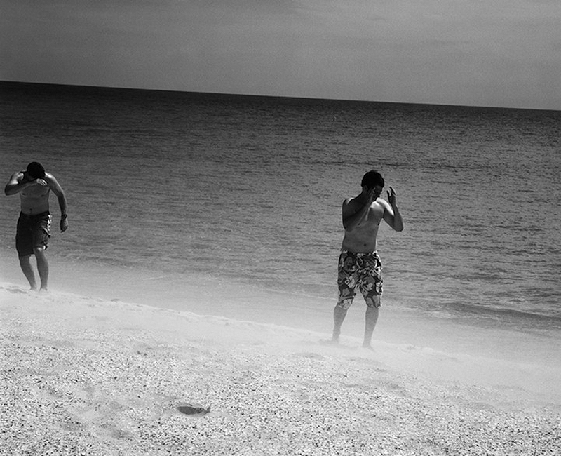 Maho Pantai thomaspx: liburan Ekstrim di bawah sayap pesawat terbang