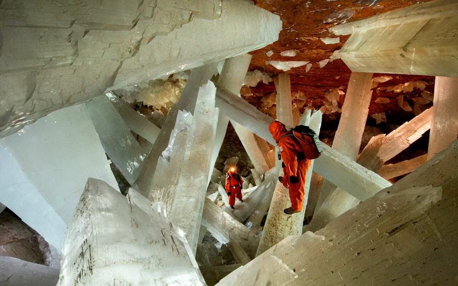 0 3351f  Пещера гигантских кристаллов