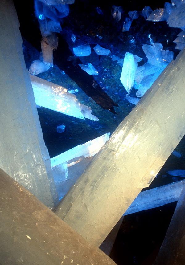 0 33528  Пещера гигантских кристаллов