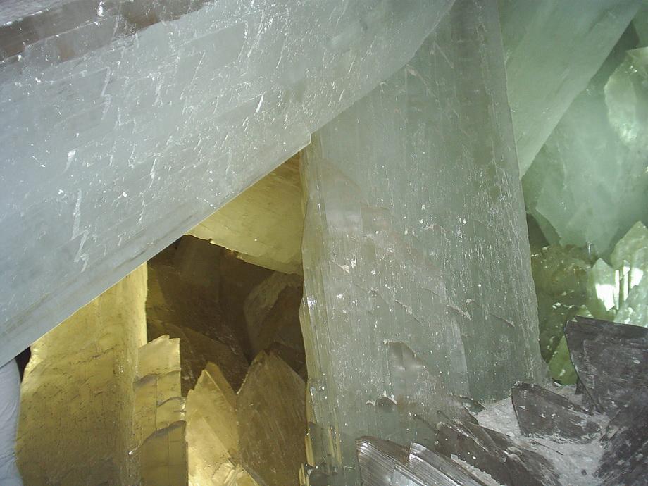 0 3352a  Пещера гигантских кристаллов