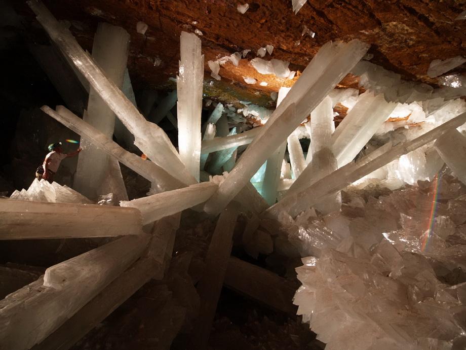 0 3352f  Пещера гигантских кристаллов