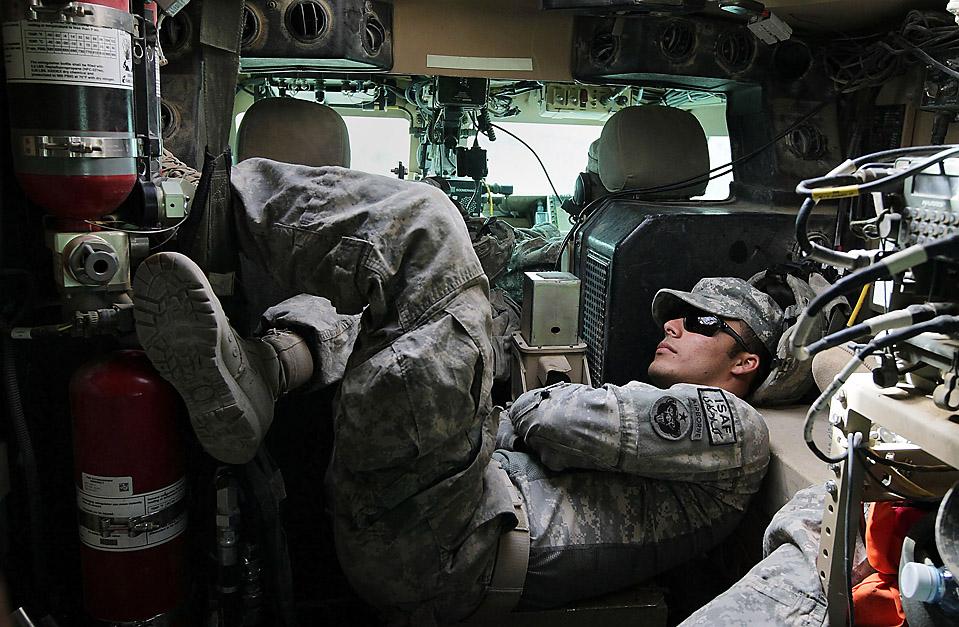 Афганистан июнь 2011.  Необъявленный визит Обамы в Афганистан в 2010-м. самодельное взрывное устройство.