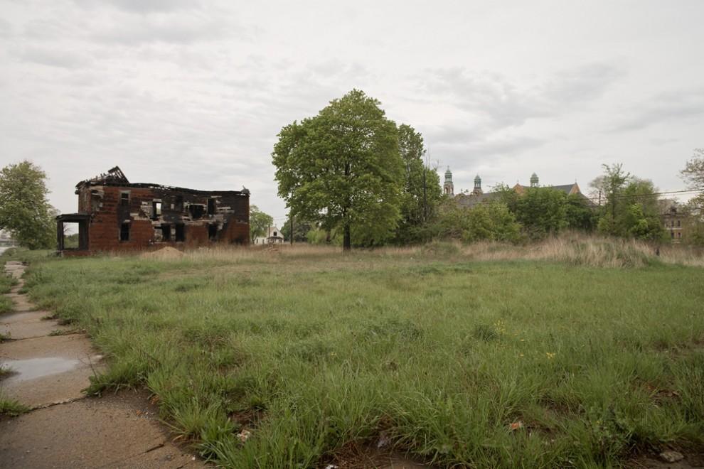 2105 990x660 Руины Детройта
