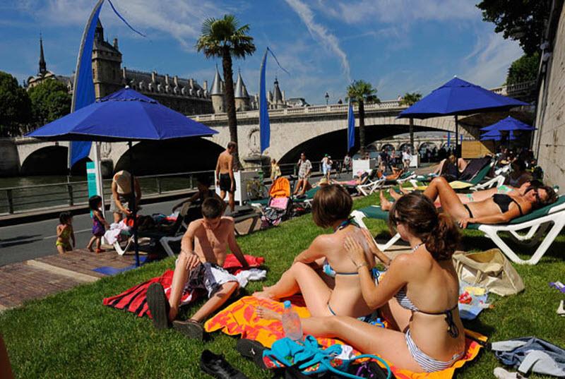 2172 Искусственные пляжи в Париже