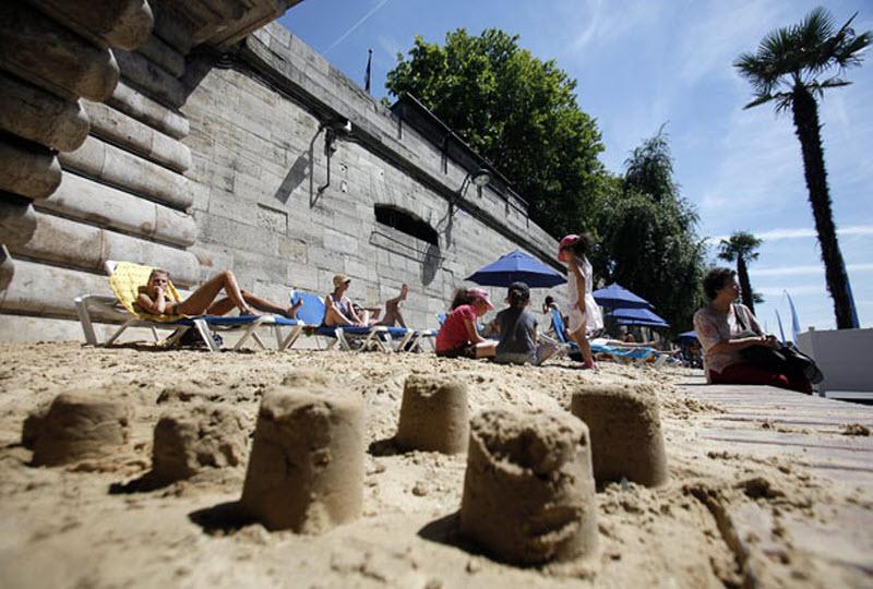 4120 Искусственные пляжи в Париже