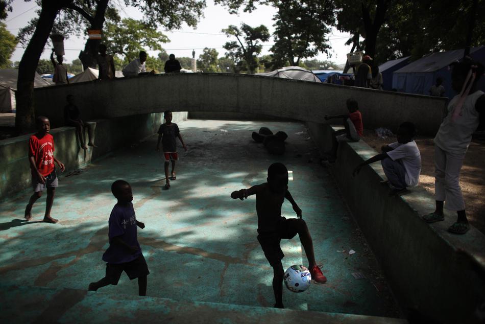 Гаити через полгода после землетрясения