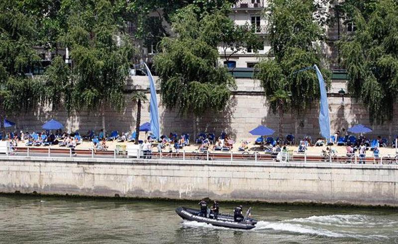 683 Искусственные пляжи в Париже