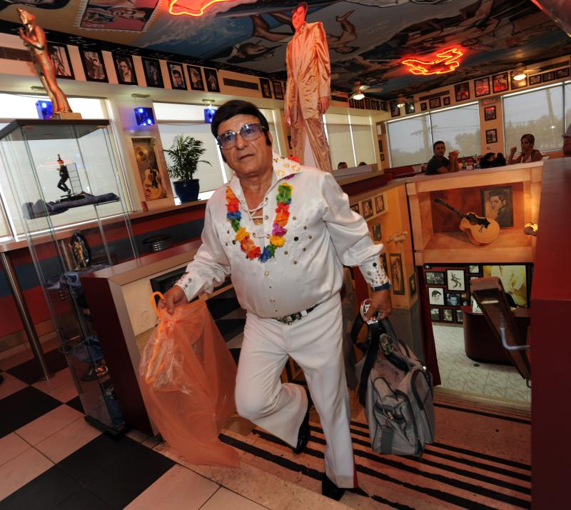 Elvis impersonators in Israel