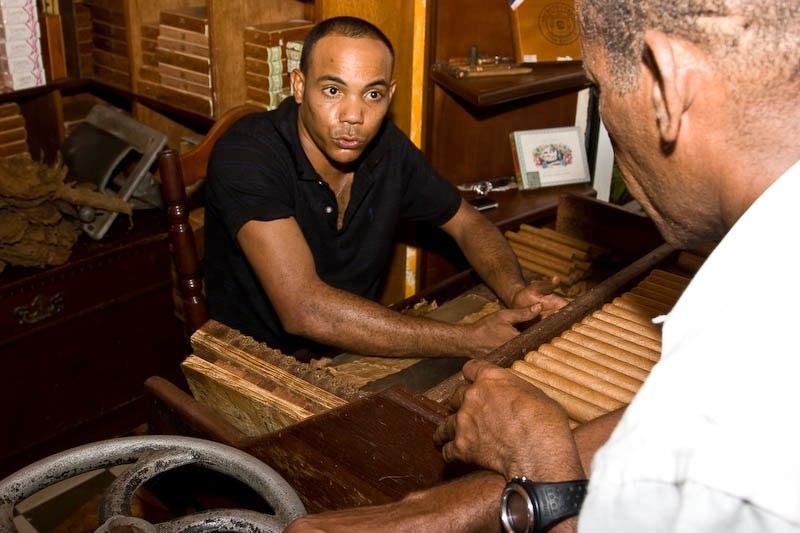 1374 Доминикана: как делают сигары