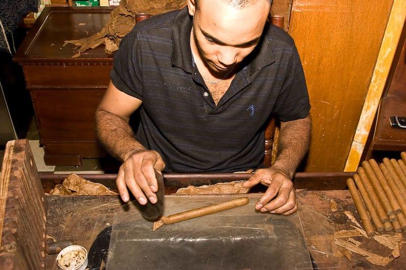 1752 Доминикана: как делают сигары