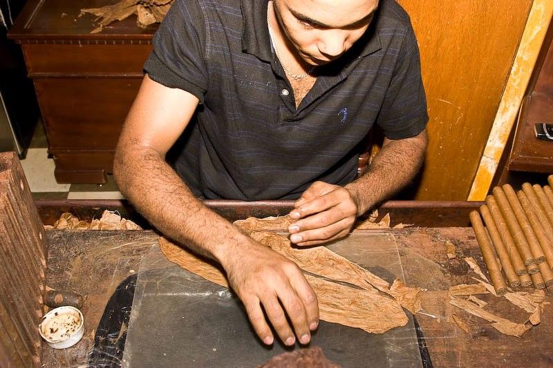2330 Доминикана: как делают сигары