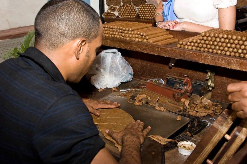 2718 Доминикана: как делают сигары
