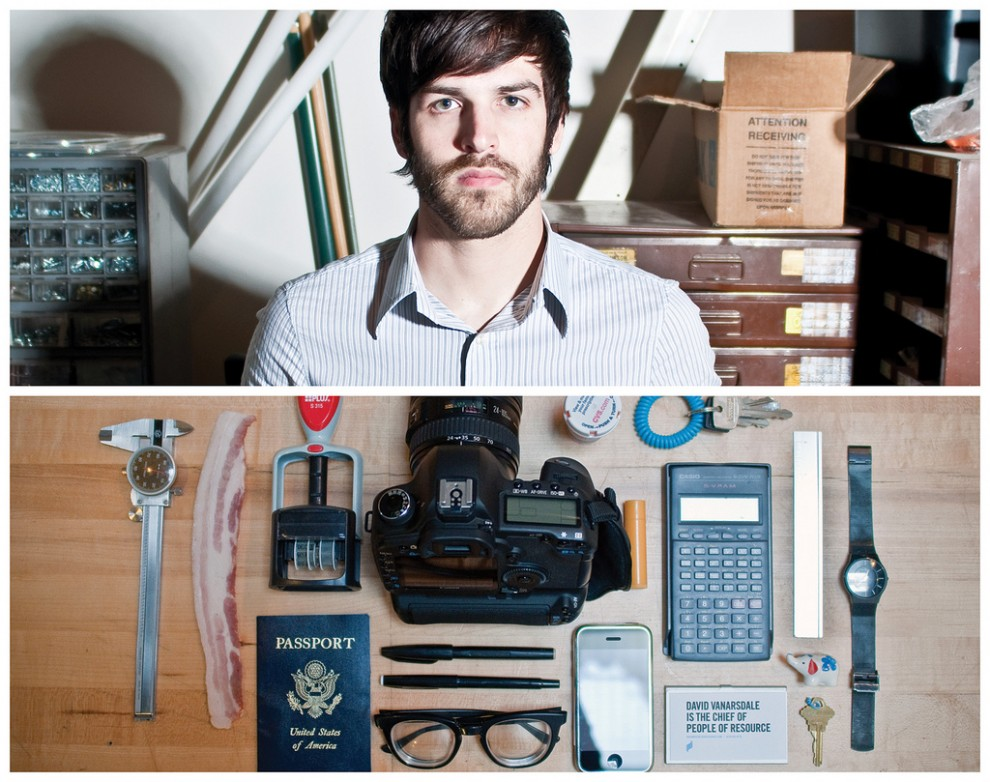 Persona Project:  What People Carry In Their Bags! 15 Pics!