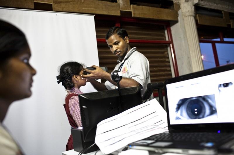 В Индии каждому жителю выдадут биометрическую карточку