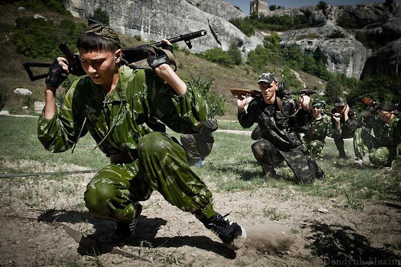 Необычный казачий лагерь или база для выращивания из детей боевиков?