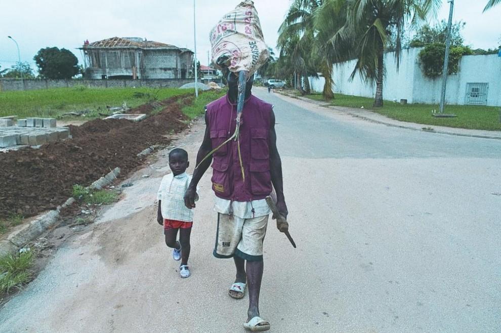 Черное и синее - Кот-д'Ивуар