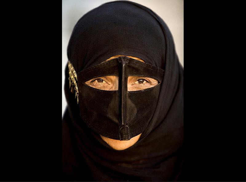 masks10 Традиционные маски у иранских женщин