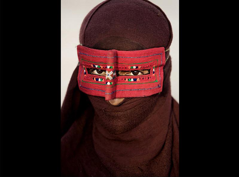 masks17 Традиционные маски у иранских женщин